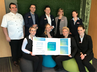 Abb. zu Artikel Hotel am Vitalpark erhält HolidayCheck Award 2018