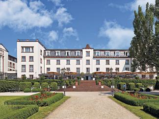 ch teauform 39 schloss reinhartshausen eltville ist mitglied der besten tagungshotels in deutschland. Black Bedroom Furniture Sets. Home Design Ideas