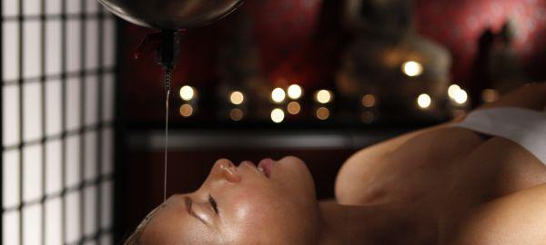 Abb. zu Hamam und Thai-Massagen, Thalasso-Therapie und viel Licht