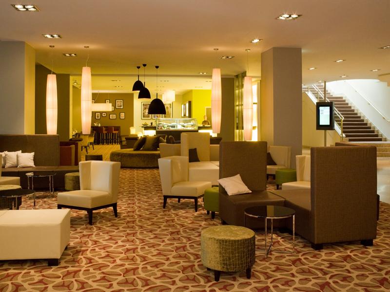 Abb. zu Artikel Neue Hotelhalle und umgebautes Restaurant im Crowne Plaza Berlin City Centre
